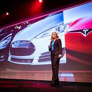 Deborah Nas | Keynote Speaker | Congress | Event | Tailored Presentations | Inspiration | Trendwatcher | Innovation | Disruptive Technologies | Design | Real Estate | Education | Finance | Mobility | Agriculture | Health Care | Retail