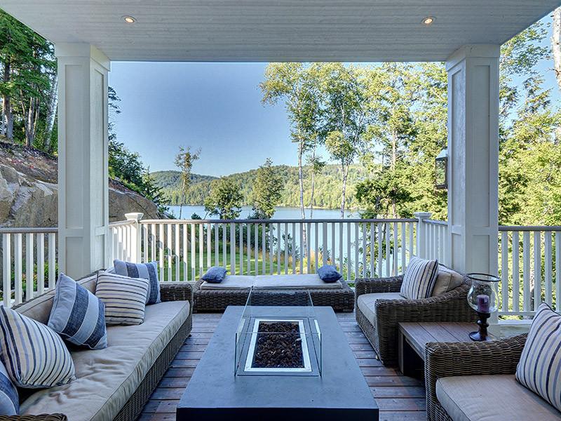 55 - Outdoor Living Area 1.jpg