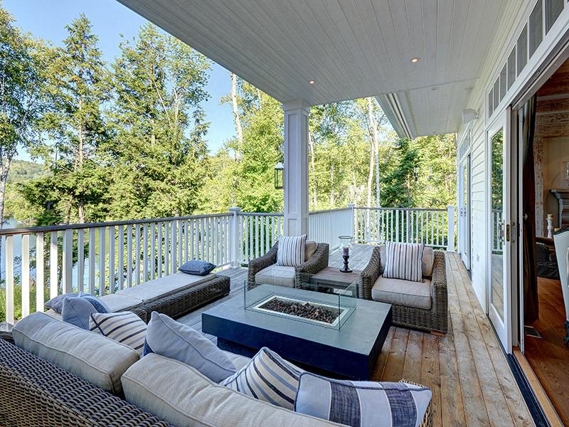 57 - Outdoor Living Area 3.jpg