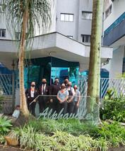Equipe de Zeladoria prestadora de serviços em um de nossos clientes em SJC