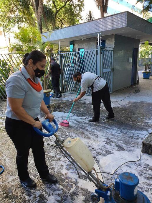 Selva Zeladoria - Serviço de limpeza das áreas comuns