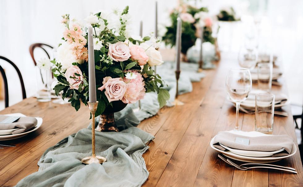 Wedding Table Arrangement_edited_edited.png