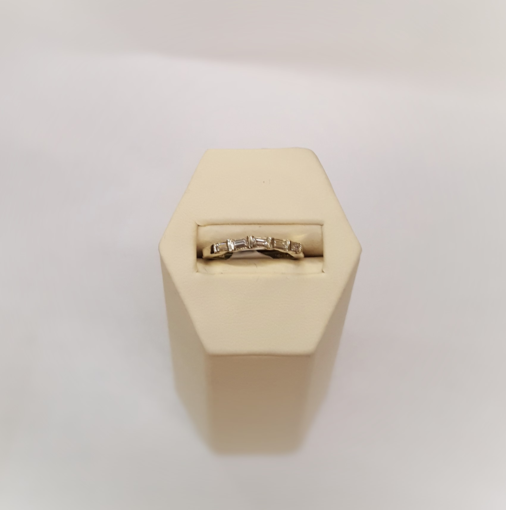 .25ctw Diamond Baguette Band