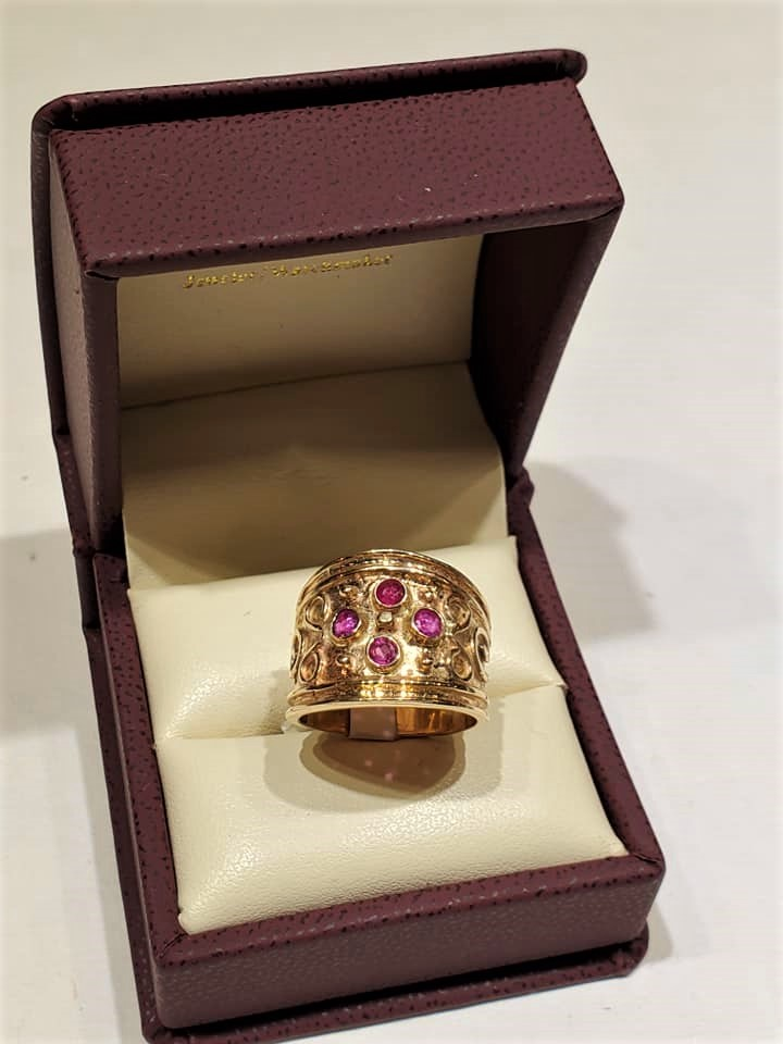 .52ctw Ruby Etruscan Band