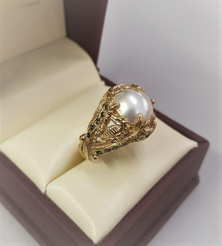 Mabe Pearl Colored Diamonds