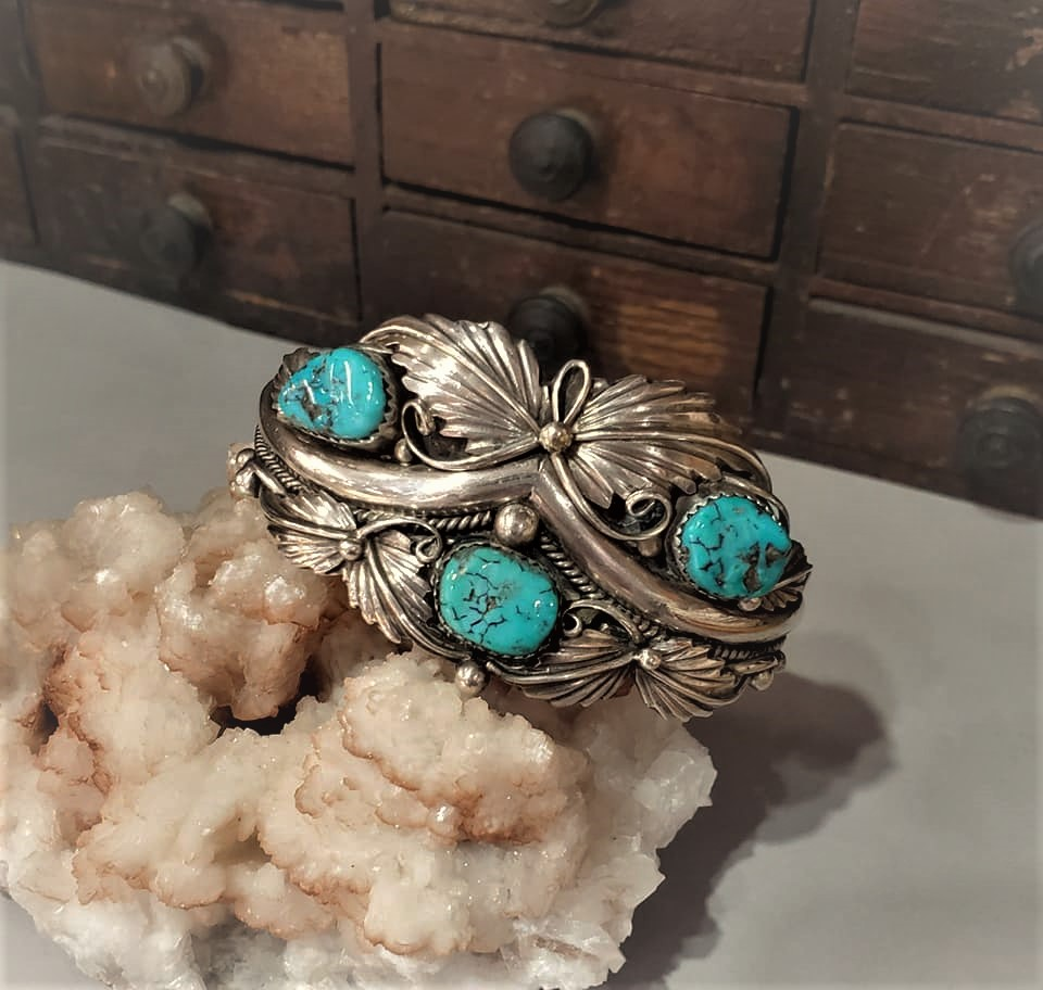Navajo Turquoise Cuff 3 Stone