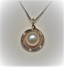 10mm Pearl 14k Gold Halo