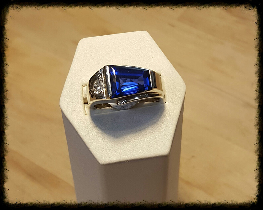 LC Sapphire with Diamond