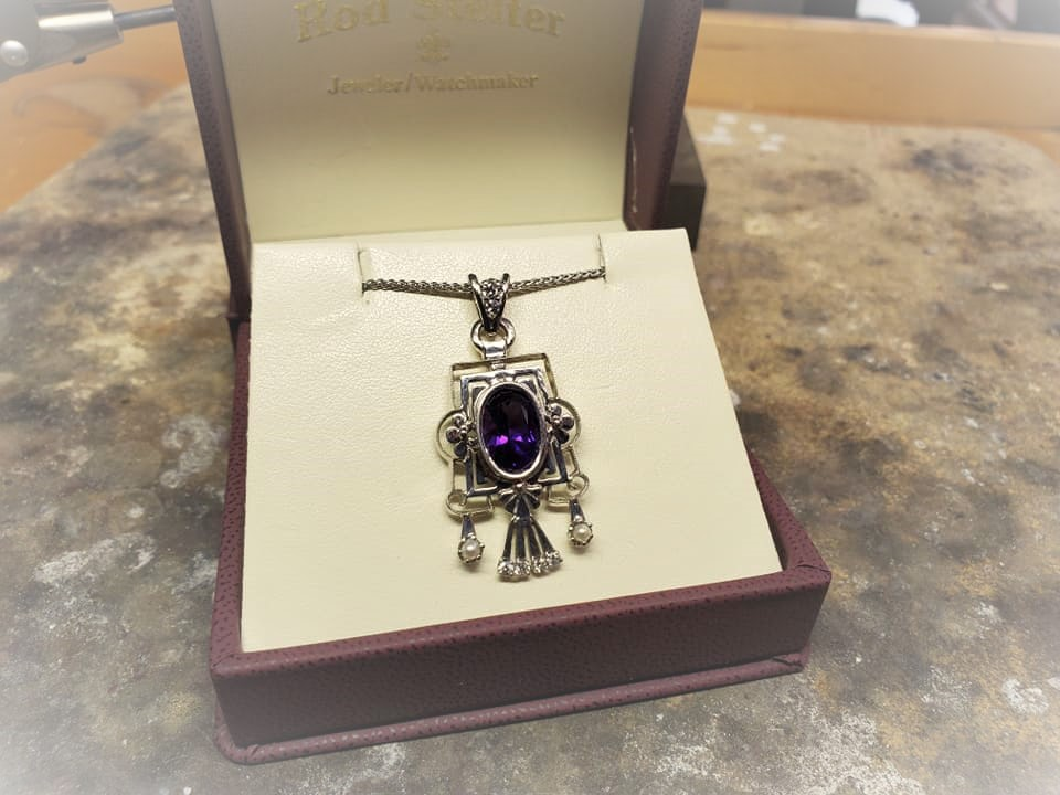 3.22 Amethyst .20ctw Diamond