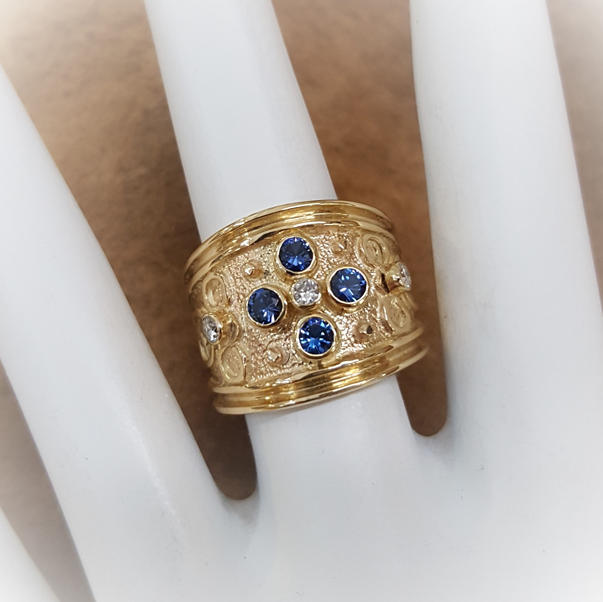 Ceylon Sapphire Etruscan Style