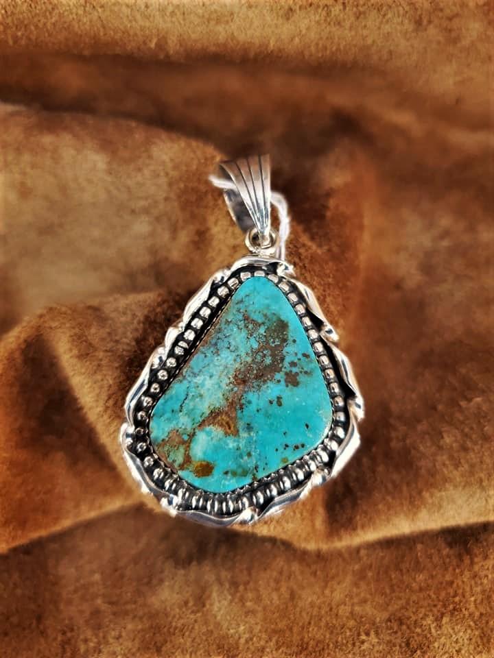 Navajo V Dee/Daa Turquoise Pendant
