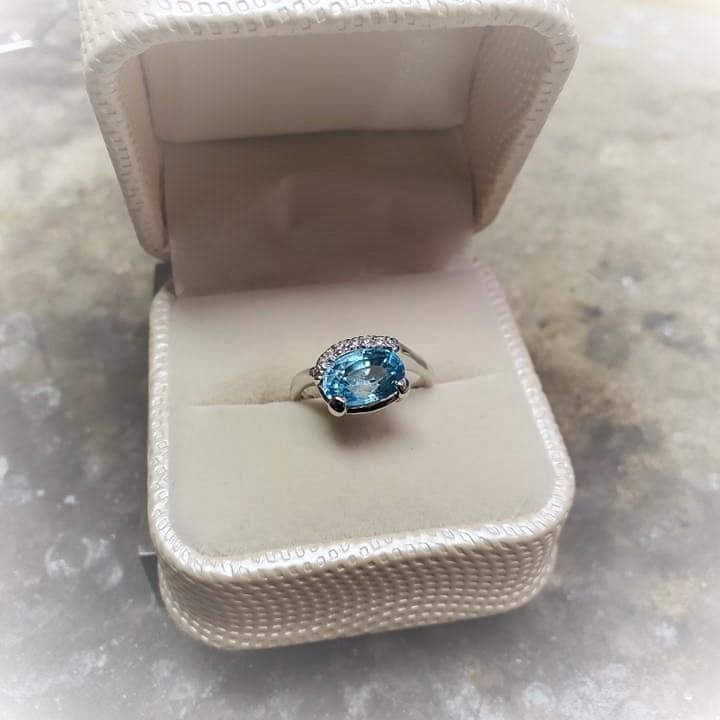 3.92ct Blue Zircon .10ctw Diamonds