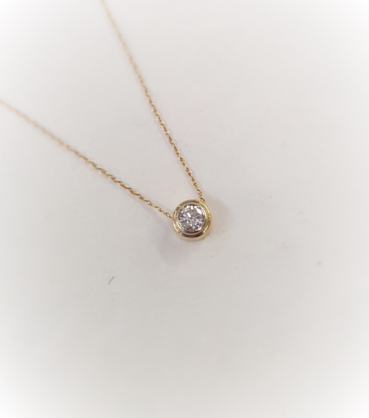 .40ctw Bezel Set Diamond Pendant
