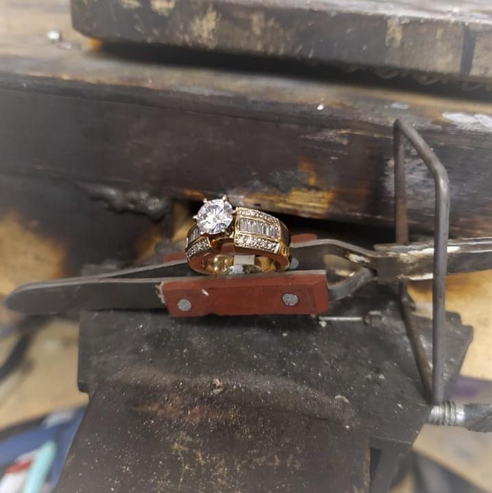 .75ct Center Diamond 1.55ctw Moissanite