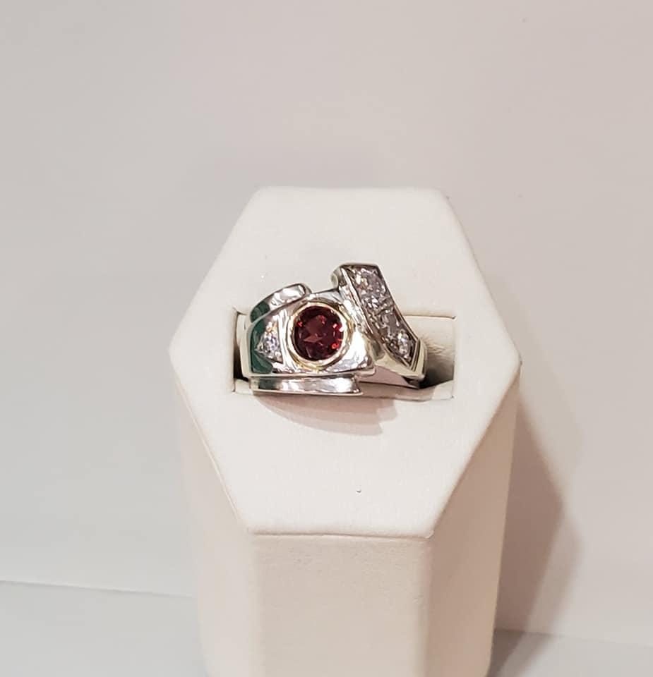 .60ctw Garnet & Diamond