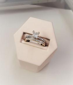 1.13ctw Diamond Wedding Set