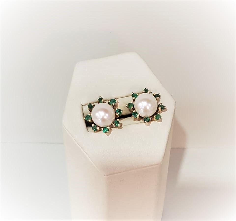 Emerald Jackets w/Pearl Studs