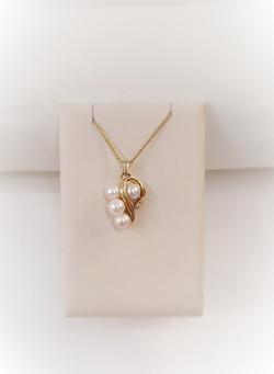Cultured Pearls with Diamonds