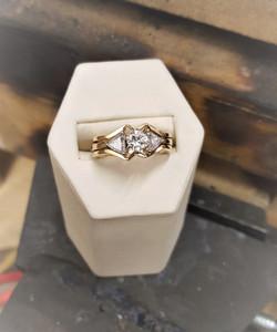 .88ct RBC Diamond & .25ctw Trillions