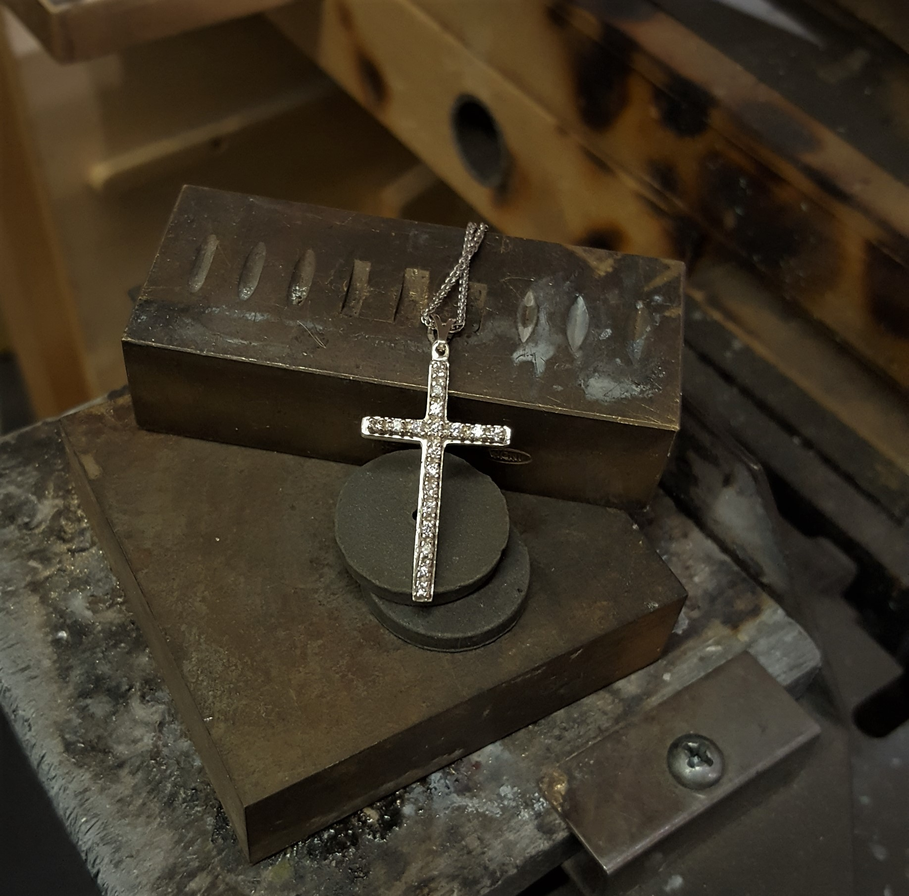 "Diamond Cross 1.5"" Long"