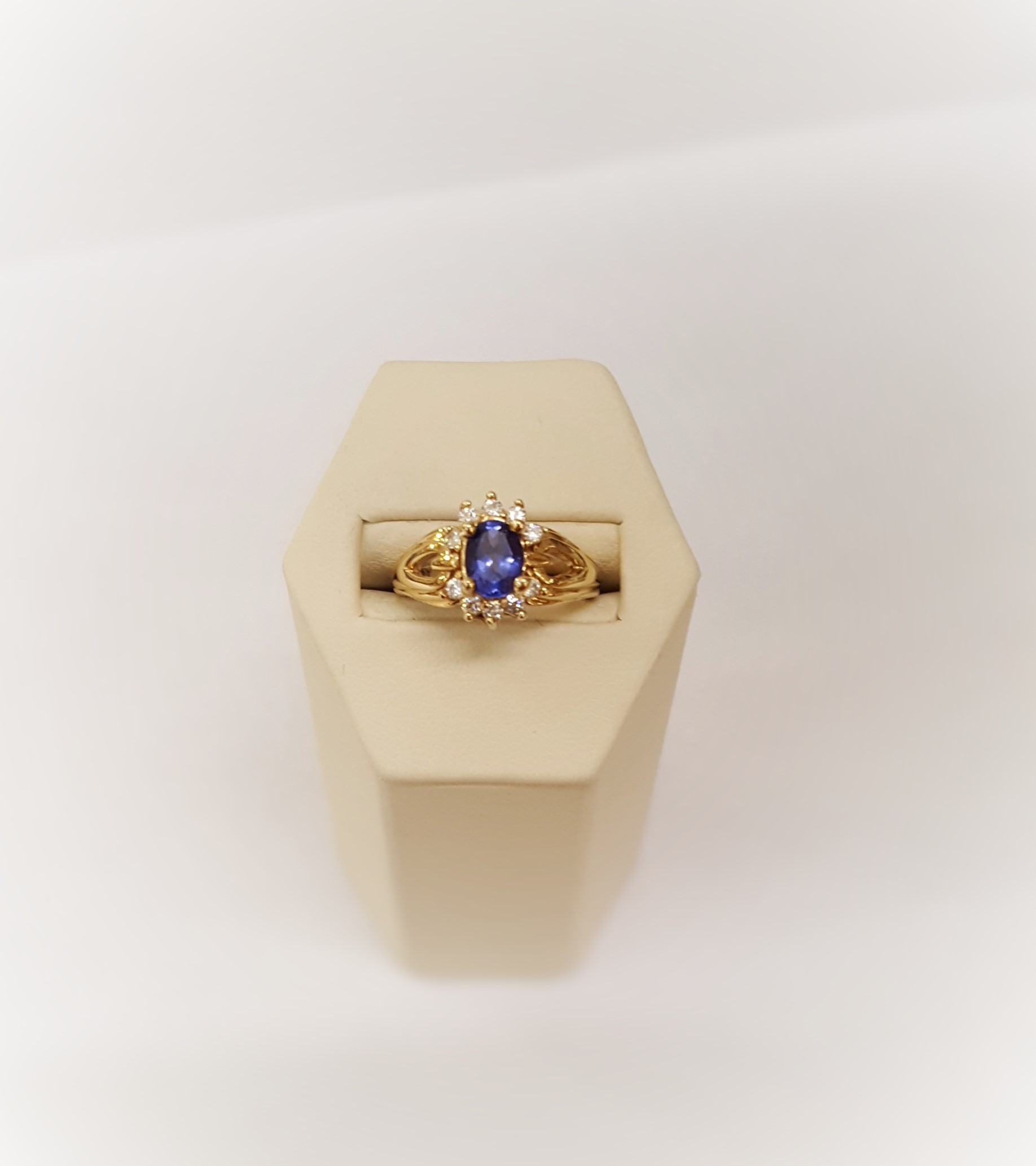 Tanzanite with Diamonds