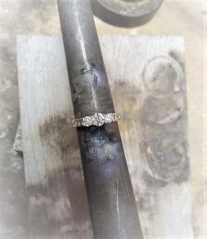 1ctw Diamond 3-Stone Engagment