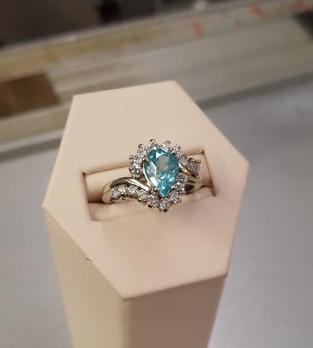 2.11ct Blue Zircon 1ctw Diamond