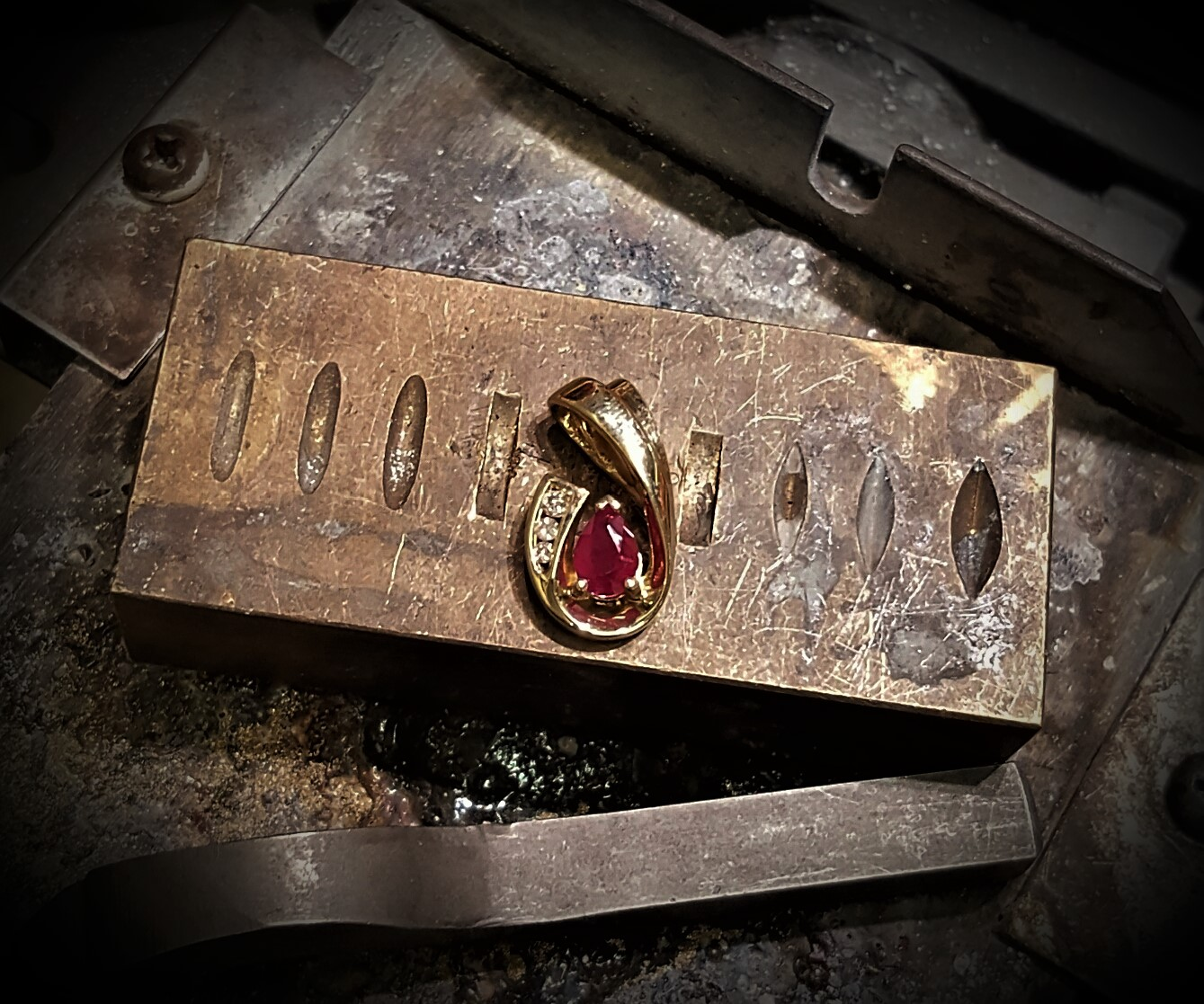 .10ct Ruby & .10ctw Diamond Slide