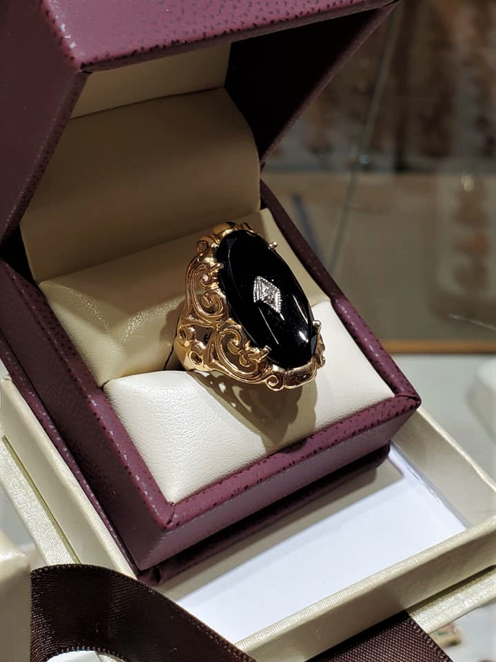 Oval Onyx & Diamond