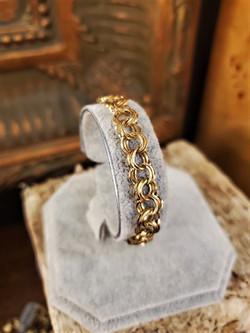 Ladies 14kt Yellow Gold Charm Bracelet