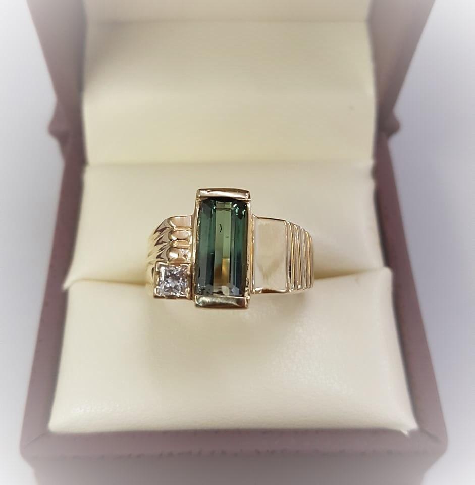 1.68ct Tourmaline .10ct Diamond
