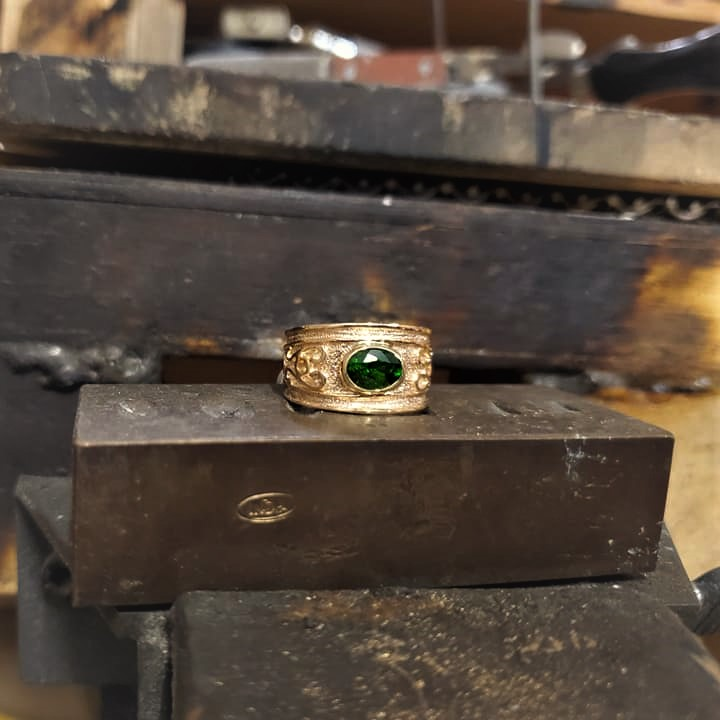 Chrome Diopside Etruscan Band