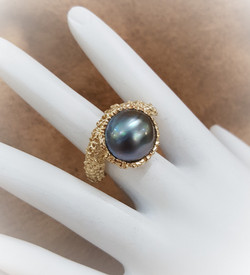 Iridescent Slate Gray Pearl