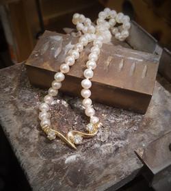 .90ctw Diamonds & FW Pearls