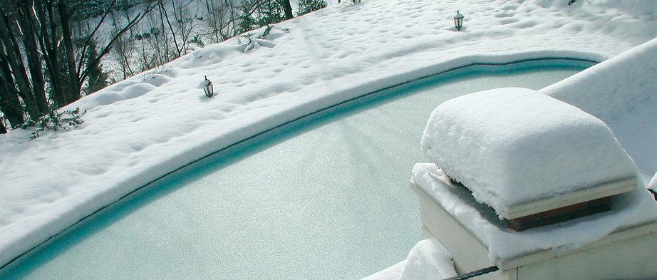 Piscine-sous-neige.jpg