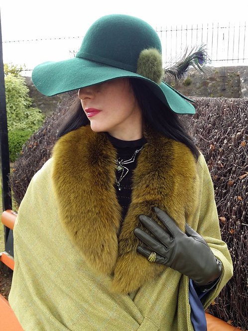 Moss Green with amber tones Fur collar