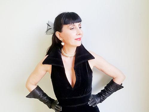 Sensational high quality winged collar flared velvet dress Corty Kretell Modell