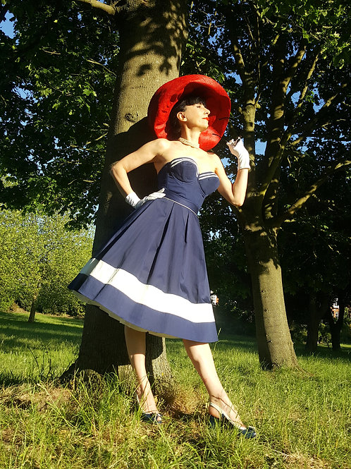 Styled to Go: Vintage Navy UK 8 '50s sun top, skirt, underskirt hat & sunglasses