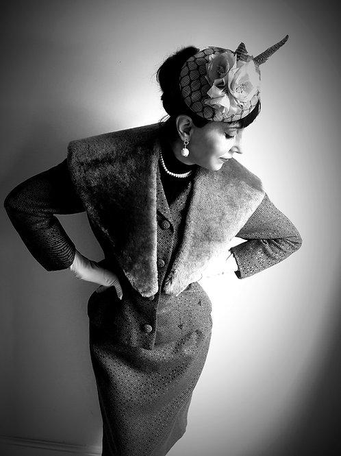Juliettes S.F. original 1950s wool/silk mix fitted suit mouton fur collar
