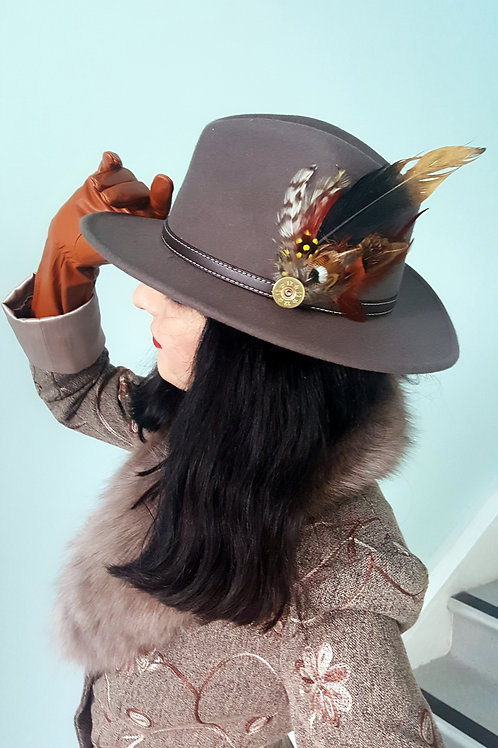 Fawn Trilby: Adjustable size 100% wool