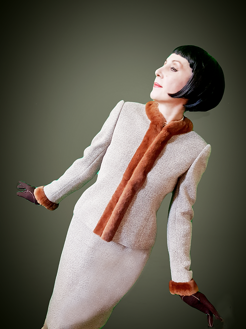 Beautiful luxurious elegance: softest pure new wool twill suit fur trim