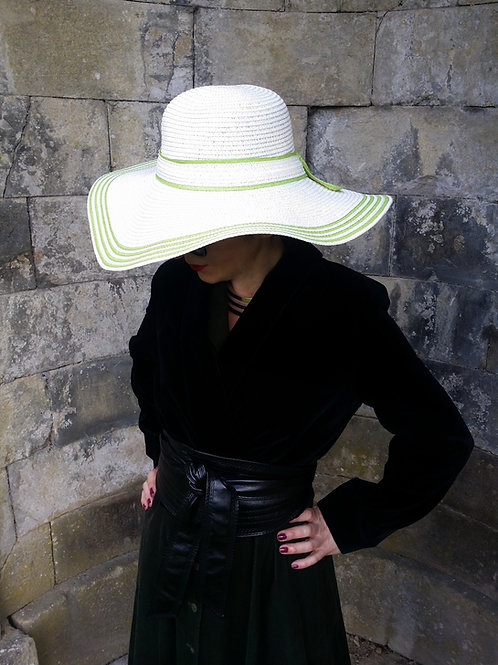 The Villefranche Sun hat : White and Lime green