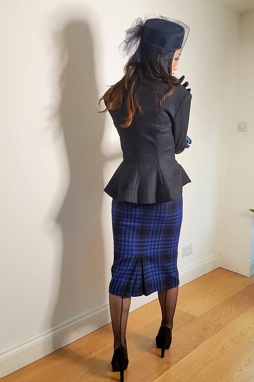 Vintage late 1970s Windsmoor plaid pencil skirt
