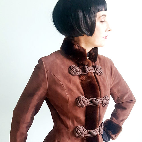 Stunning Immaculate frog closure sheepskin 1965 Dr Zhivago fit & flare MOD coat