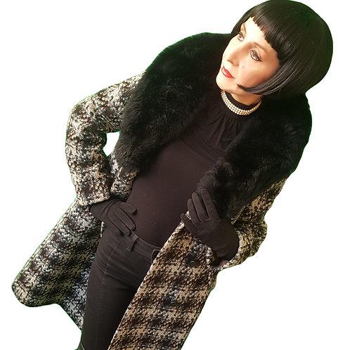 Beautiful Vintage Deréta 1960s MOD wool tweed sheepskin fur collar coat fit & fl