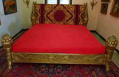 Antik Bett www.schatzwert.shop