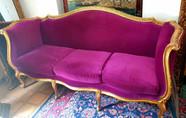 Antikes Sofa www.schatzwert.shop