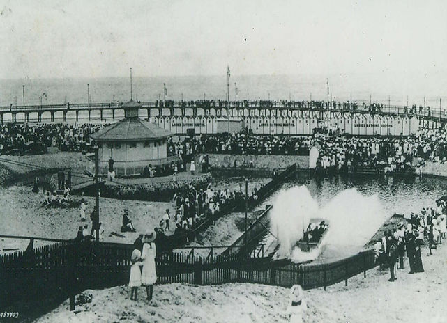 Durban Beachfront around 1905 in the vicinity of Funworld today, which was called 'Ocean Beach'