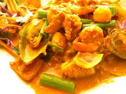 Pad Pong Karee Seafood