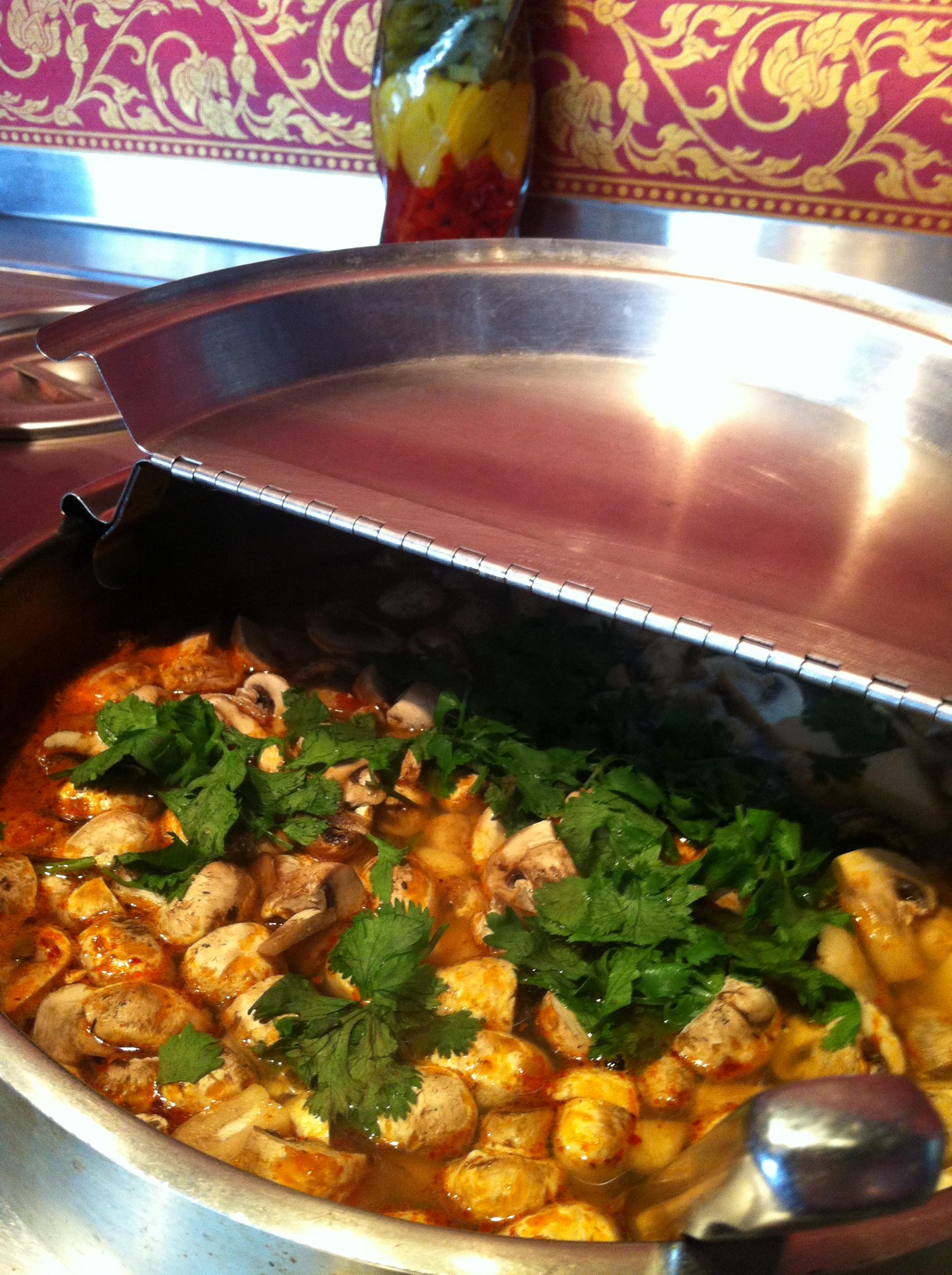 Lunch salad bar3